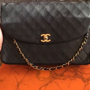 4c064649b10eeb Women Large Vintage Chanel Bag on Poshmark